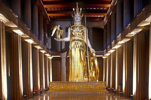 Статуя Богини из слоновой кости