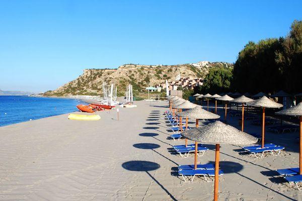 Пляжная территория недалеко от отеля