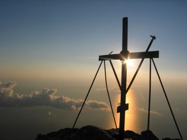 Крест на горе Афон