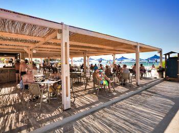 Пляжный кафе-бар