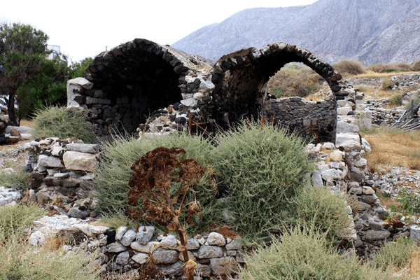 Руины церкви Святой Ирины