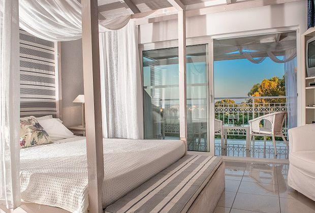 Уютные и чистые номера отелей вокруг Геракаса